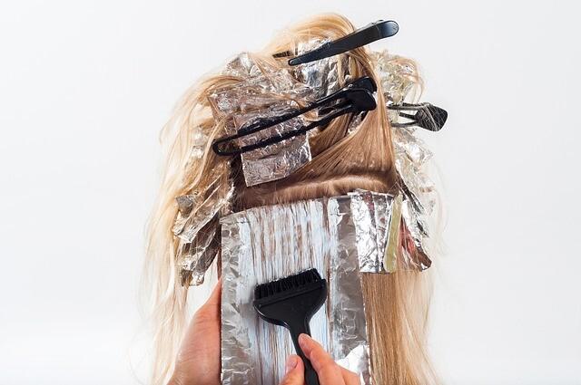 Jak pofarbować włosy
